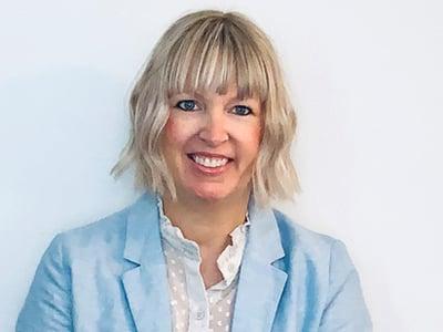 Lisa MacGillivray Marketing Director Chicago Comm