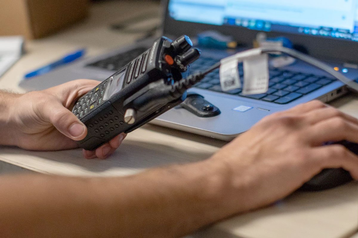 what-you-need-to-know-about-programming-two-way-radios